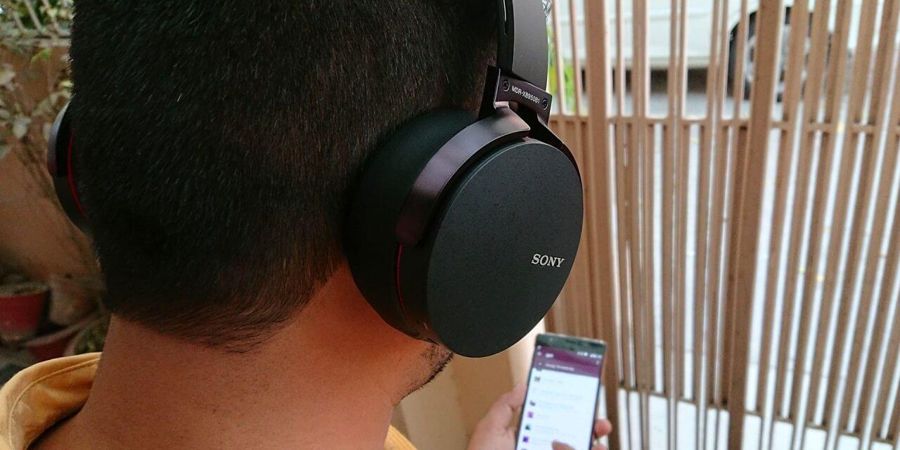 Top 4 picks of Wireless Headphones with mic