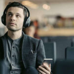 With new and innovative designs coming in day by day, wireless headphones will become the new way a user will see the use of accessory in their daily life. So today, we pick out some good functional wireless headphones that is Amazon's favorite.