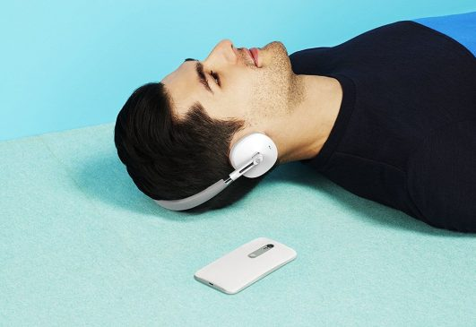 Motorola had been trying really hard to enter the wireless accessory segment. Earlier attempts led to poor product manufacturing until recently when they came out with product of stellar performance and functionalities. And today we are going to discuss about the bestMotorola wireless headphones.