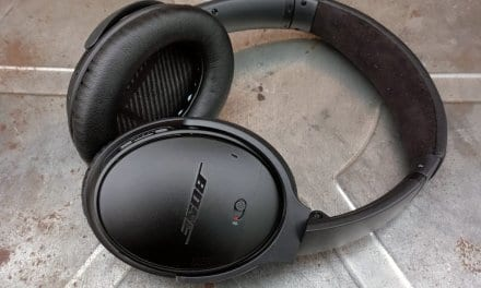 How to Properly Clean your Wireless Headphone Ear Pads